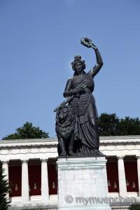 Statue Bavaria (9)