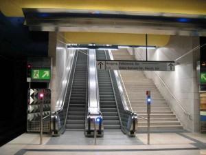 U-Bahnhöfen gibt es 771 Rolltreppen,