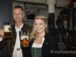 Bayerische Bierkönigin2016: Sabine-Anna Ullrich lernt Anzapfen