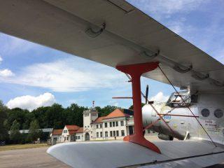 Antonow An-2 vor der Flugwerft Schleißheim