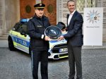 Polizeipräsident Hubertus Andrä präsentierte zusammen mit Christian Ach (Leiter MINI Deutschland)