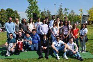 OB Hartmann mit Dachauer Schülern