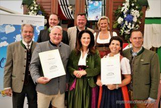 """Verleihung des Siegels """"Ausgezeichnetes bayerisches Festzelt 2018"""""""
