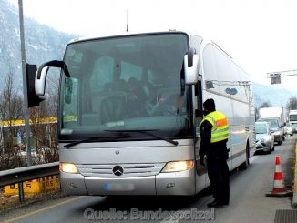 Bundespolizeidirektion München: Mutmaßlicher Urkundenfälscher bei Grenzkontrollen gefasst