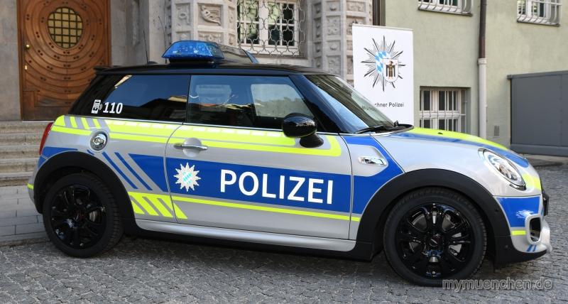 Polizei Mini ganz